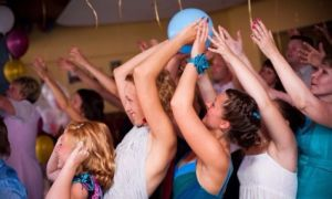 Весёлые музыкальные игры для взрослых – изюминка праздника для любой компании!