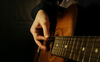 А как я учился играть на гитаре личный опыт и советы одного музыканта-самоучки…