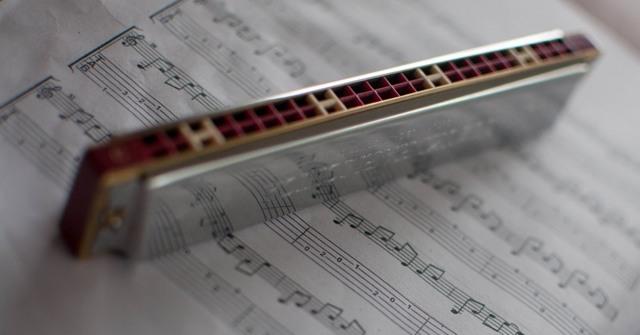 Как играть на губной гармошке? Статья для новичков