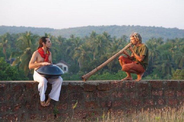 Диджериду – этнический инструмент австралийских аборигенов.