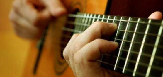 Сколько времени нужно учиться играть на гитаре, и какую гитару выбрать новичку