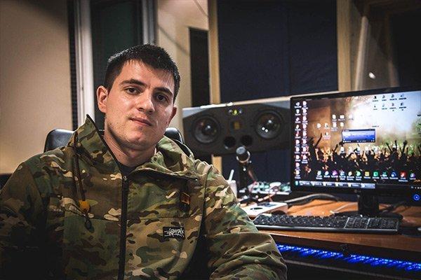 Как записывают песни в студии?